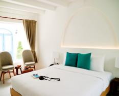10% off on Santorini Park Stay